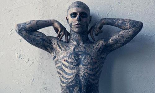 Фото дівчат та хлопців з татуюваннями