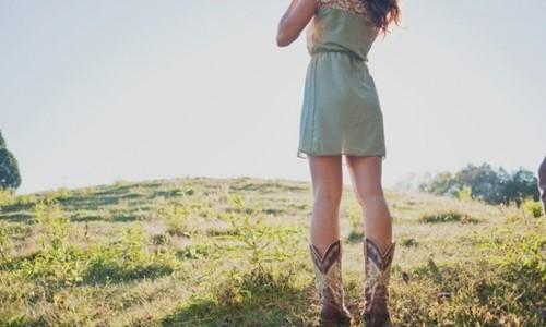 фото девушек в ковбойских сапогах, девушки в... Девушки в сапогах...